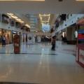 インド初店舗のH&M。オープン前日からの徹夜組を認める