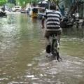 記録的な豪雨でチェンナイが浸水、タミルナドゥ州で71名が死亡